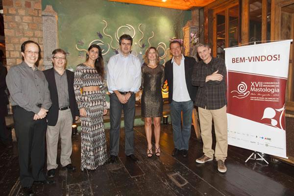 A comissão organizadora do  17º Congresso Brasileiro  de Mastologia